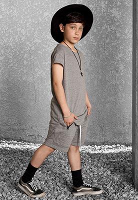 Camiseta Longline Infantil Cinza Gola Canoa