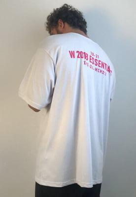 Camiseta Oversized Branca Birth